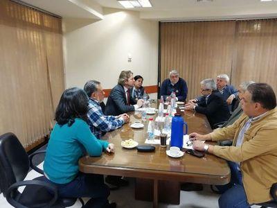 Investigan vínculos de Bolsonaro en intento de negociado con energía paraguaya