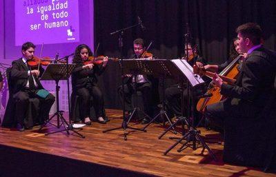 Orquesta Sinfónica Nacional conmemora Día del Folklore en San Lorenzo