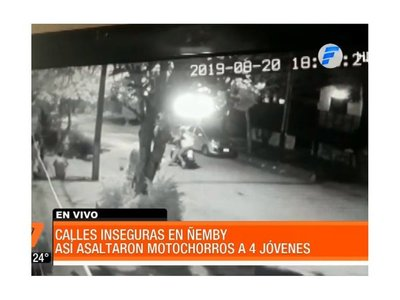Video: Motochorros asaltaron a jóvenes