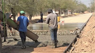 Tras dos meses de palada inicial: Pavimentación avanzó 500 metros