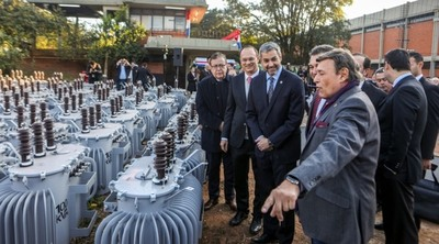 Entregan 2000 transformadores para fortalecer red de energía nacional