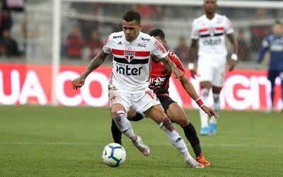 Sao Paulo se acerca al liderato del Brasileirao