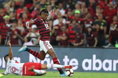Bruno Henrique acerca a Flamengo a las semifinales