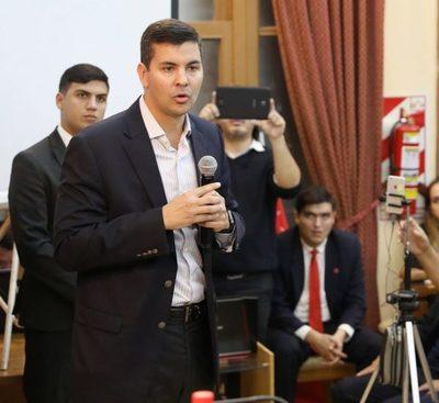"""Santiago Peña: """"si ahora no se toman medidas, el próximo año tampoco será bueno"""""""