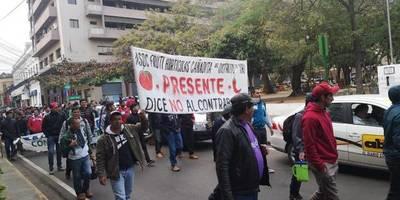 Tomateros protestan en Asunción; exigen combate al contrabando y mejor precio para sus productos