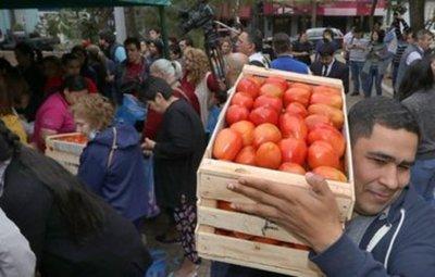 Feria de tomates en varios puntos del país en apoyo a los productores
