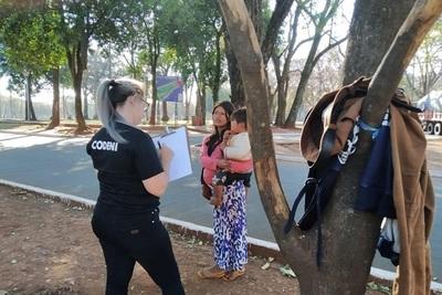 Niños que piden dinero en calles de CDE son explotados por sus padres