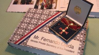 Alemania distingue a ex embajador paraguayo por buena gestión
