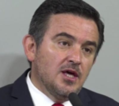 ¿Crisis en Añetete? Duro tuit de ministro contra senador