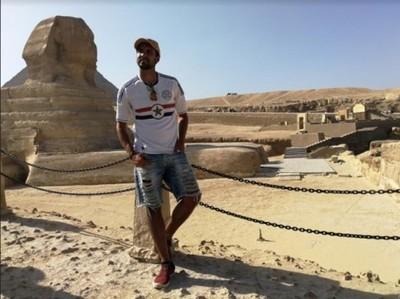 """Alessandro Galas cantó """"Galopera"""" en las pirámides de Egipto"""