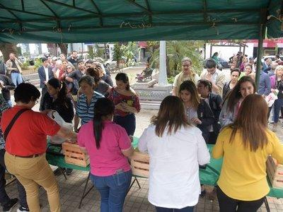 Continúa la feria de tomates en Asunción