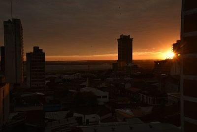 Viernes con amanecer frío y tarde cálida, según Meteorología