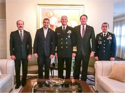 Mario Abdo recibe a almirante de EEUU para abordar terrorismo