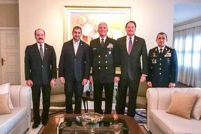 Mandatario recibió a jefe del Comando Sur de los EE.UU para fortalecer cooperación en seguridad y defensa