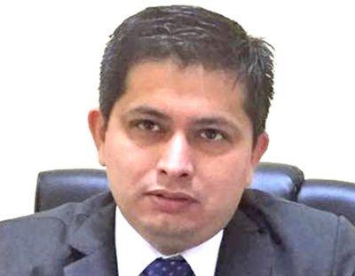 Contraloría inicia investigación a hermano de senador Buzarquis