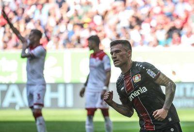 El Leverkusen y el Friburgo siguen al Dortmund