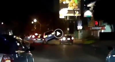 Piden ayuda para identificar a conductor que chocó y huyó