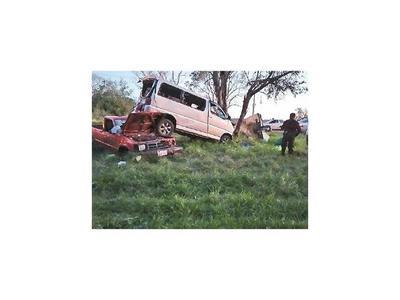 Un muerto y cuatro heridos en  accidente rutero, en Itapúa