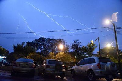 Alerta meteorológica por tormentas eléctricas y caída de granizo