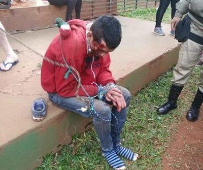Vecinos reducen a golpes a un motochorro en Hernandarias