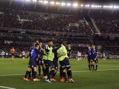 River juega mal y cae en la previa del partido ante Cerro