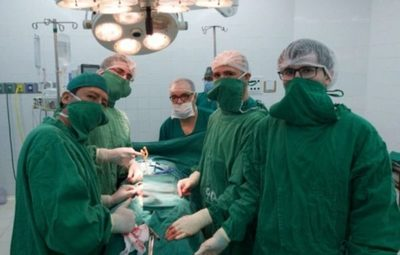 En Clínicas se llevó a cabo una cirugía de implante de prótesis peneana