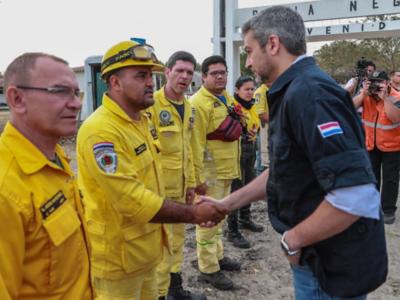 Mario Abdo promete utilizar toda la capacidad operativa para sofocar los focos de incendio