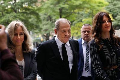"""Weinstein se declara """"no culpable"""" de nuevos cargos por abusos sexuales"""