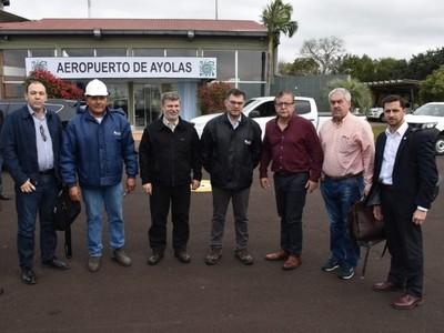 Autoridades paraguayos de la EBY llegan a Hidroeléctrica