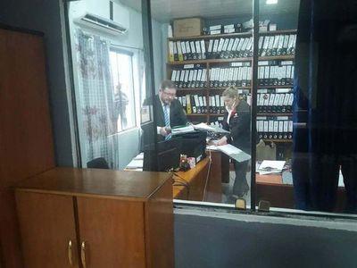 Allanan Municipalidad de Capiibary tras denuncia