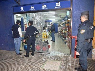 Desconocido roba G. 8 millones de una pinturería en Asunción