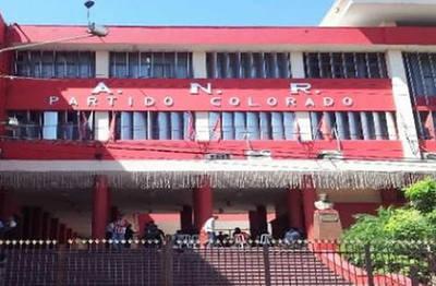 Renuncia masiva de afiliados colorados en Humaitá