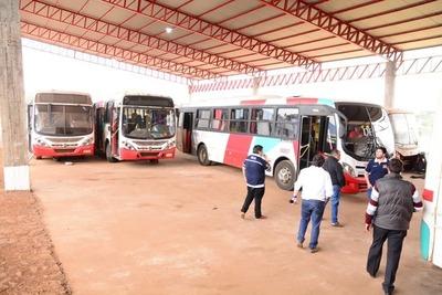 Municipalidad de Ciudad del Este realiza inspección vehicular a unidades de transporte