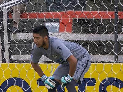 Miguel Martínez repite como mejor arquero de la fecha