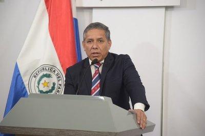 Asesor reconoce desaciertos en el equipo presidencial