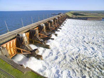 Conflicto EBY: Continuarán trabajos de instalación de la línea de 500 kV