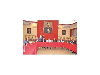 Tras fuerte presencia en la Junta, Cartes pide ministros colorados