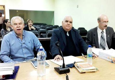 Tribunal divide juicio del exministro Walter Bower