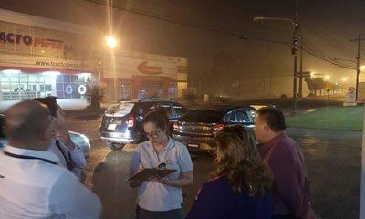 Quema realizada por invasores llena de humo CDE
