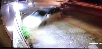 Violento choque es captado por cámaras de seguridad