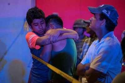 Incendio y feroz pelea entre bandas en un bar de México: 23 muertos y 13 heridos
