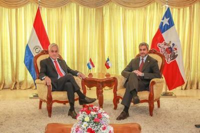 Presidente recibió a su homólogo chileno y agradeció solidaridad con el Paraguay