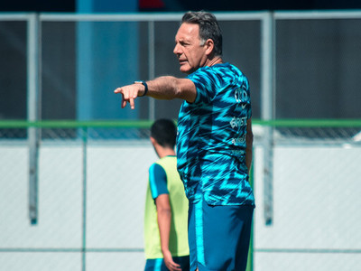 Miguel Russo convoca a 21 futbolistas para la revancha con River Plate