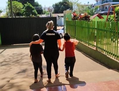 Asisten a niños que son vendedores ambulantes en CDE