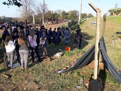 Sintechos abandonaron inmueble ocupado tras llegada de policías