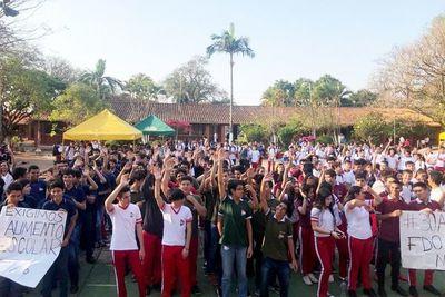 Universitarios  se unen a marcha de secundarios
