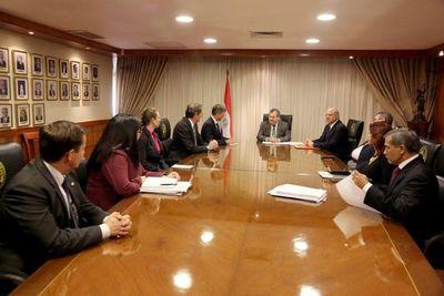 Ministros recibieron la visita del Embajador de EE.UU.