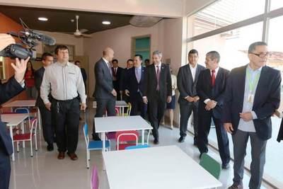 Acosta Ñu inaugura centro para atender a niños con autismo