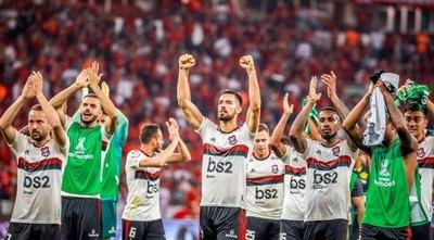 Piris Da Motta y Flamengo a 'semis' de la Copa