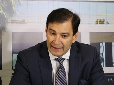 'Mario Abdo es el que designa ministros y Cartes entiende muy bien porque fue presidente', dice senador
